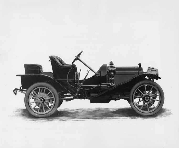 1909 Packard 18 Model NAS runabout, right side view