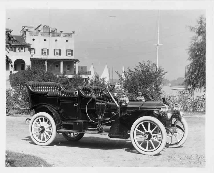 1909 Packard 30 Model UB touring car in front of Detroit Boat Club on Belle Isle