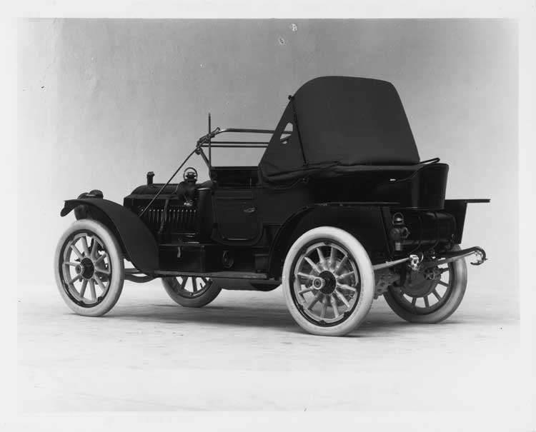 1911 Packard 30 Model UDS runabout, three-quarter rear view, left side