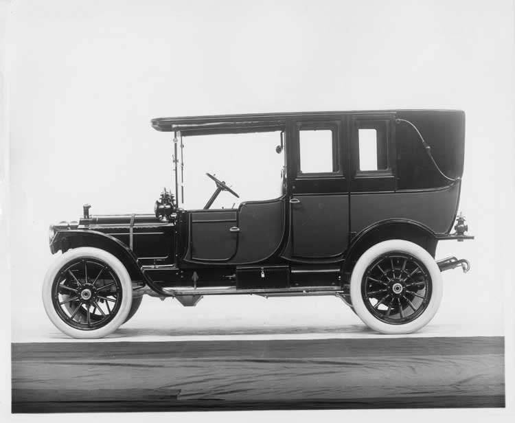 1912 Packard 30 Model UE landaulet, left side, quarter closed
