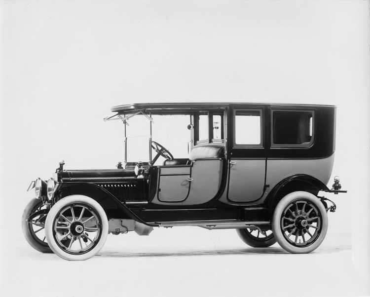 1912 two-toned Packard left side view