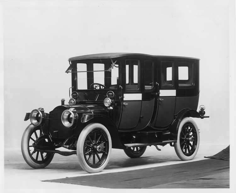1912 Packard 30 Model UE fore-door imperial limousine, three-quarter front view, left side