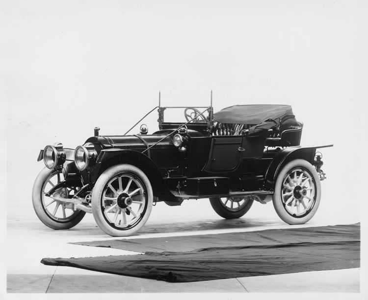 1912 Packard 6 runabout, three-quarter front view, left side, top lowered