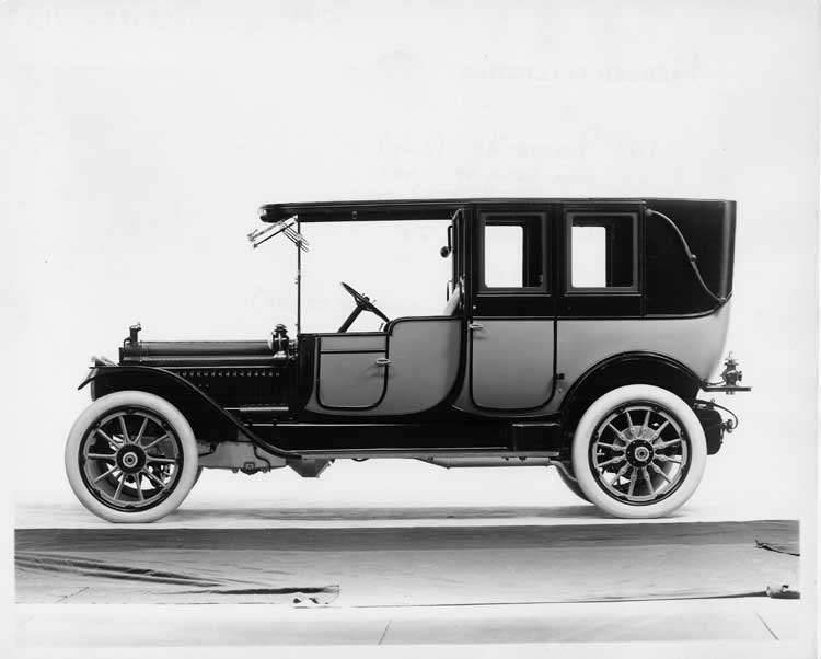 1913 Packard 48 two-toned landaulet, left side