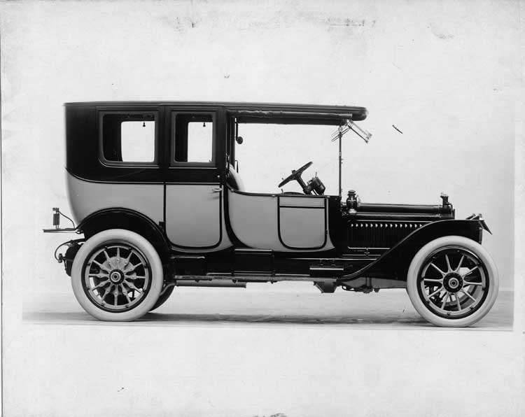 1913 Packard 38 two-toned limousine, right side