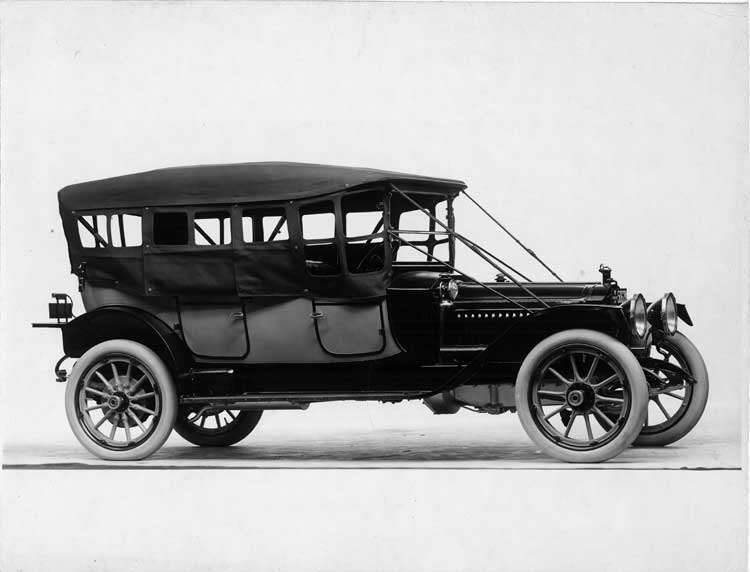 1913 Packard 48 two-toned phaeton, seven-eights front view, left side