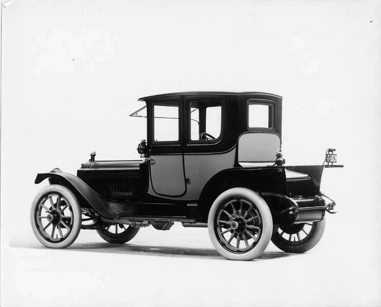 1913 Packard 48 two-toned coupe, three-quarter rear view, left side