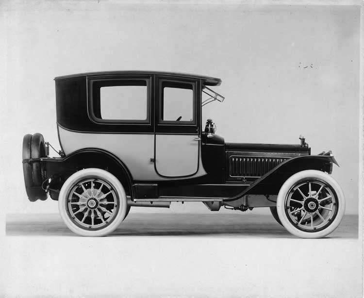 1913 Packard 38 two-toned imperial coupe, right side