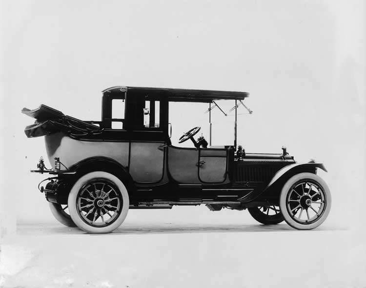 1913 Packard two-toned landaulet, seven-eights rear view, right side