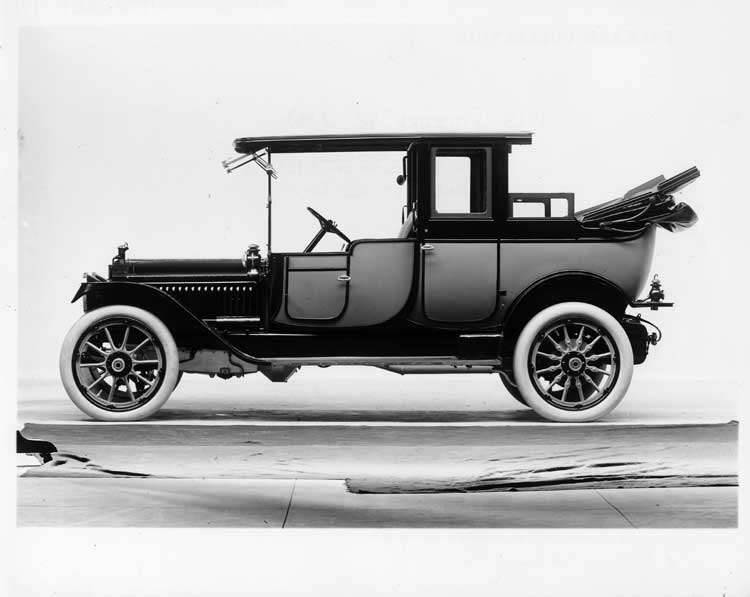 1913 Packard 48 two-toned landaulet, left side, rear quarter collapsed