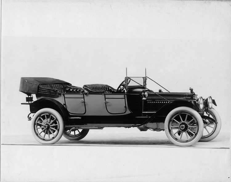1913 Packard 38 two-toned phaeton, seven-eights front view, right side