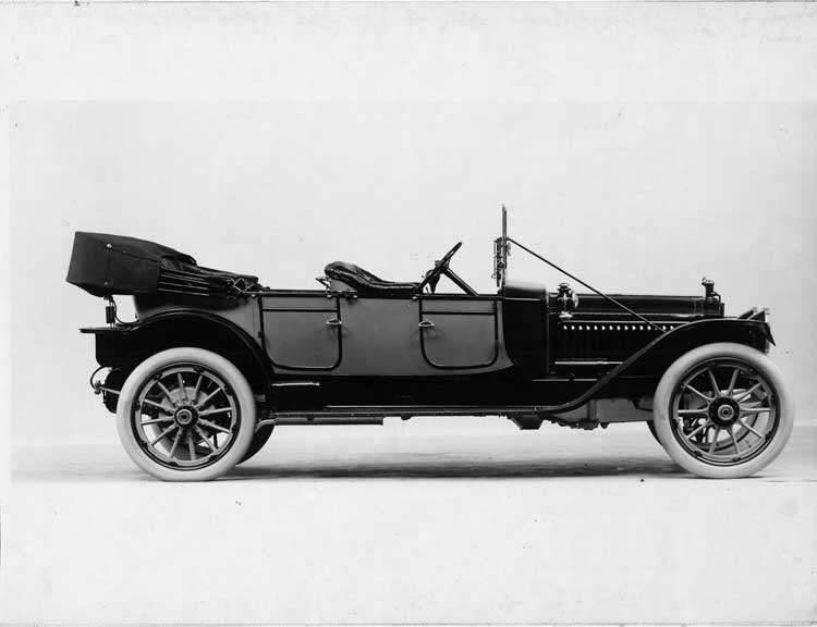 1913 Packard 38 two-toned phaeton, right side, top down