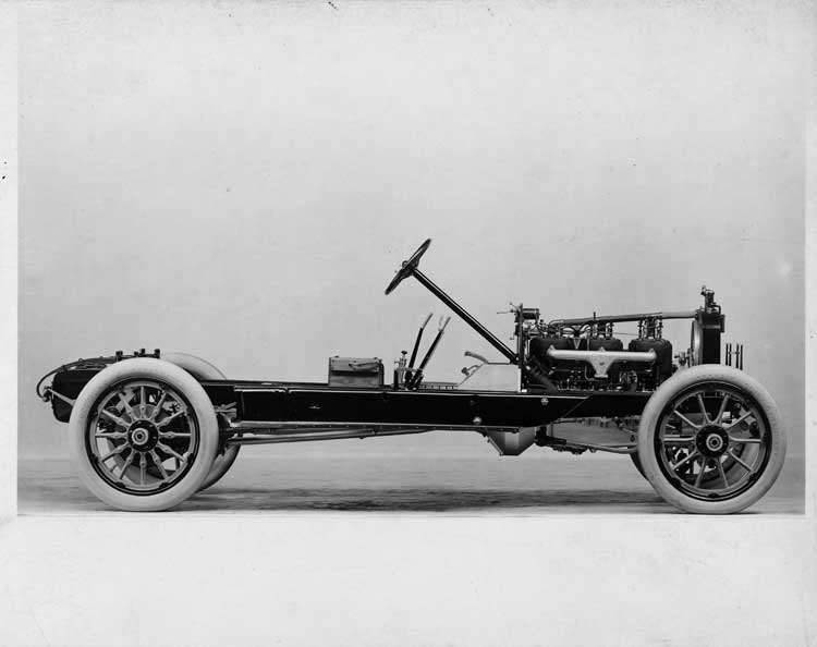 1913 Packard 48 phaeton, chassis, right side