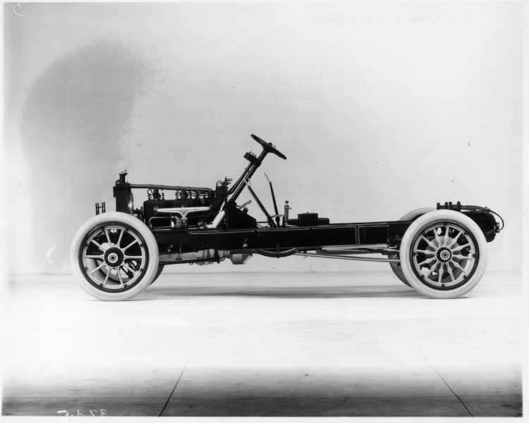 1913 Packard 38 touring car, chassis, left side