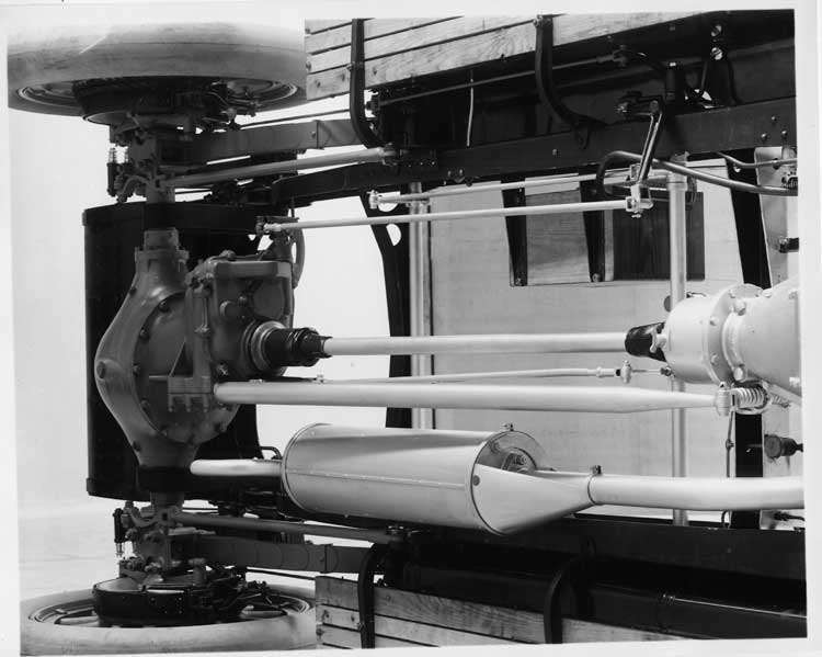 1913 Packard 48 rear end detail