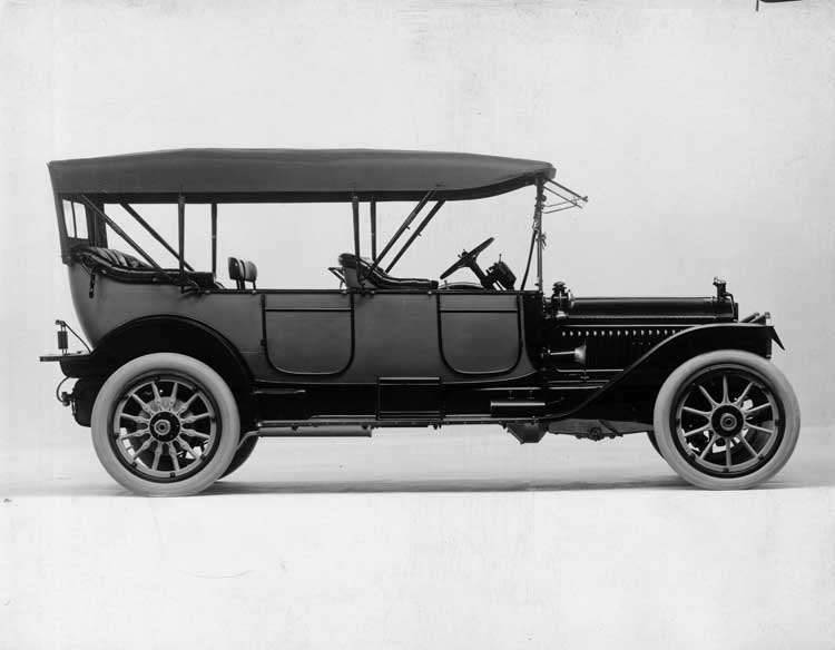 1914 Packard 48 touring car, right side