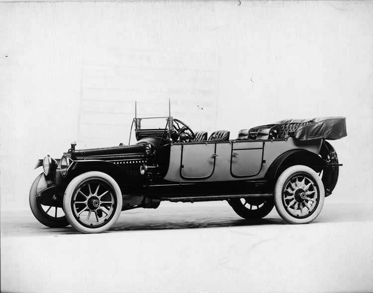 1914 Packard 2-38 two-toned salon touring car, five-sixths front view, right side, top folded