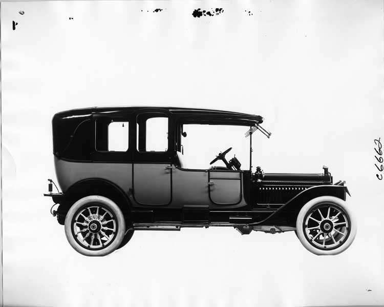 1914 Packard 48 two-toned landaulet, quarter closed