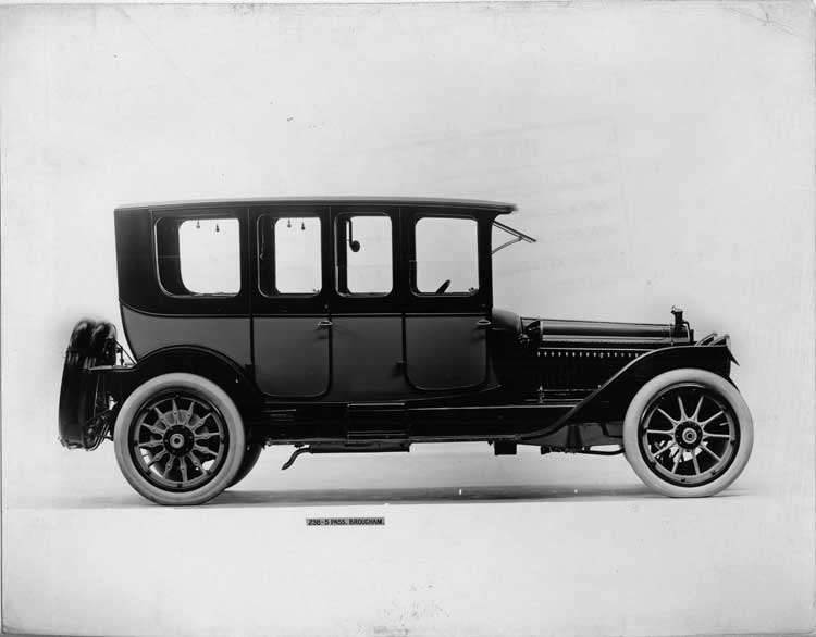 1914 Packard 2-38 two-toned brougham, right side