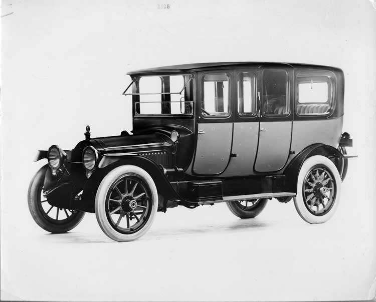 1915 Packard 3-38 two-toned imperial limousine, three-quarter front view, left side