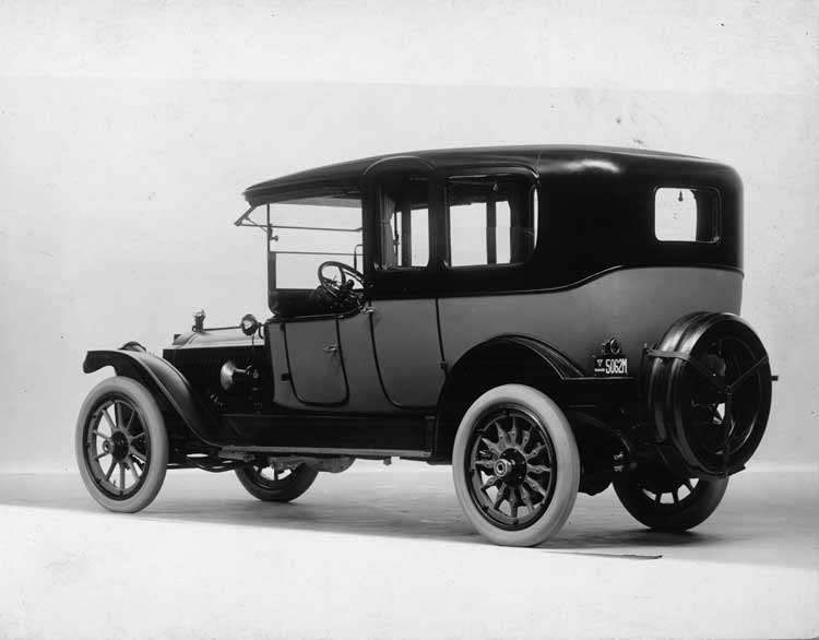 1915 Packard 3-38 two-toned limousine, three-quarter rear view, left side