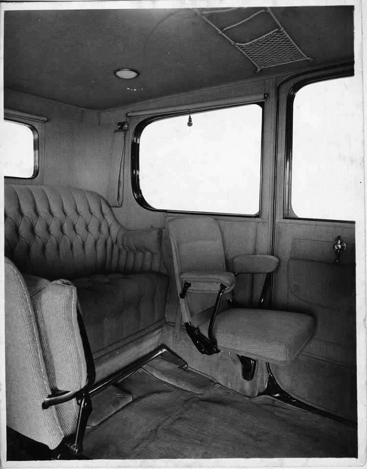 1916 Packard 1-35 limousine, rear interior
