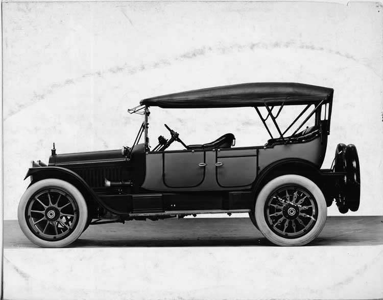 1916 Packard 1-25 two-toned phaeton, left side, top raised