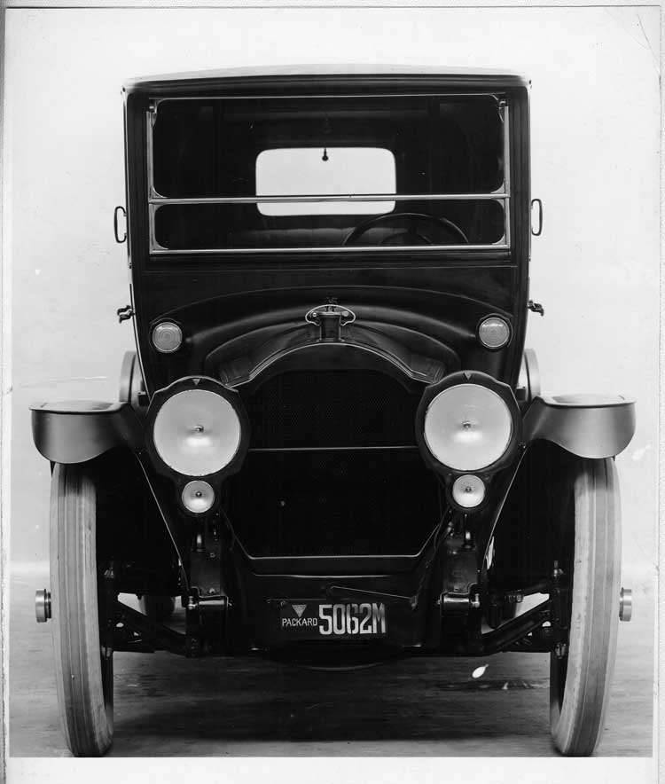 1917 Packard imperial limousine, front view