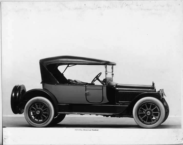 1917 Packard two-toned runabout, nine-tenths right front view, top raised