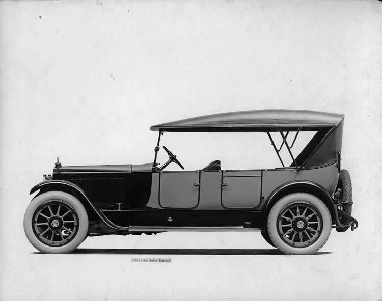 1918-1919 Packard two-toned salon touring car, right side view, top raised
