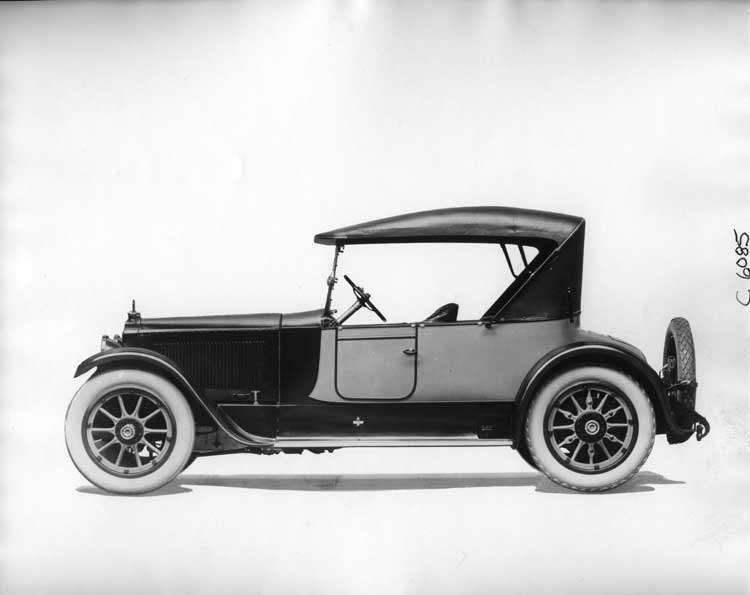 1919 Packard runabout, right side view, top raised