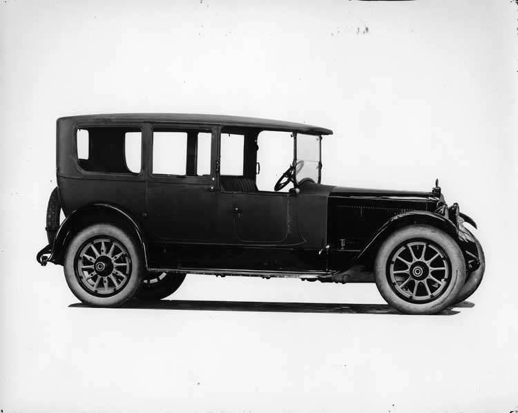 1920 Packard limousine, right side view