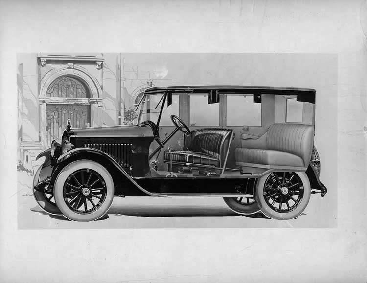 1921-1922 Packard sedan, seven-eights left front cut away view