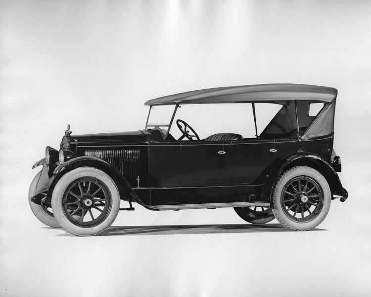 1922 Packard touring car, seven-eights front left side view, top raised
