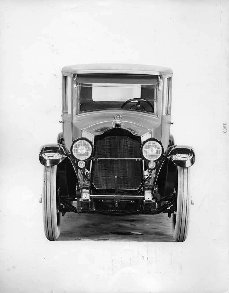 1922 Packard duplex coupe, front view