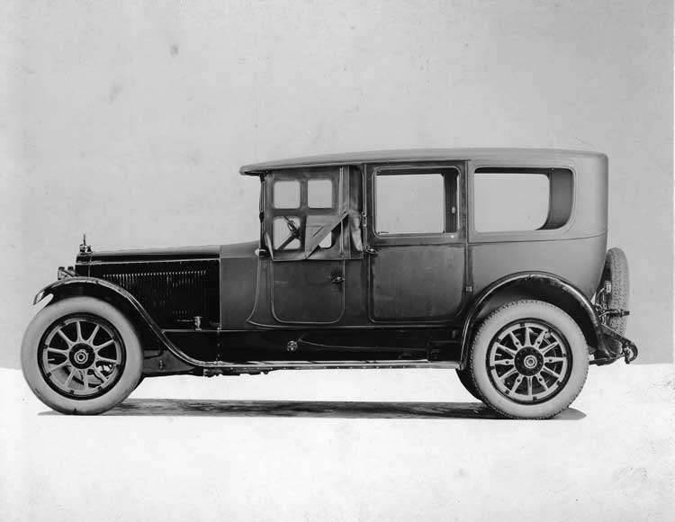 1922 Packard limousine, right side view, front side curtains in place