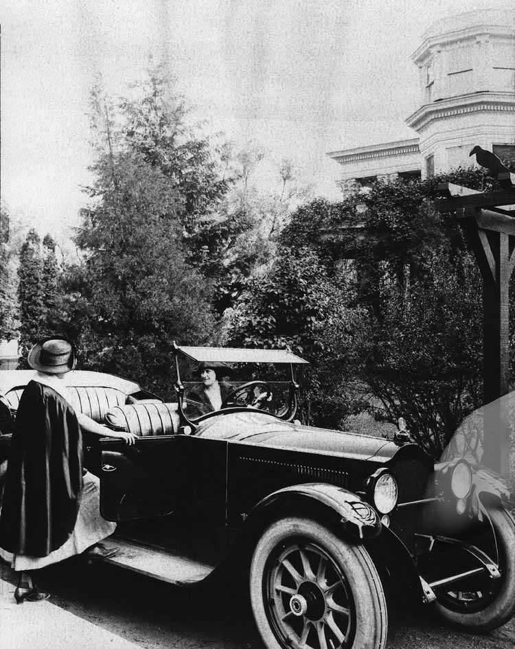 1920-1923 Packard phaeton with female driver