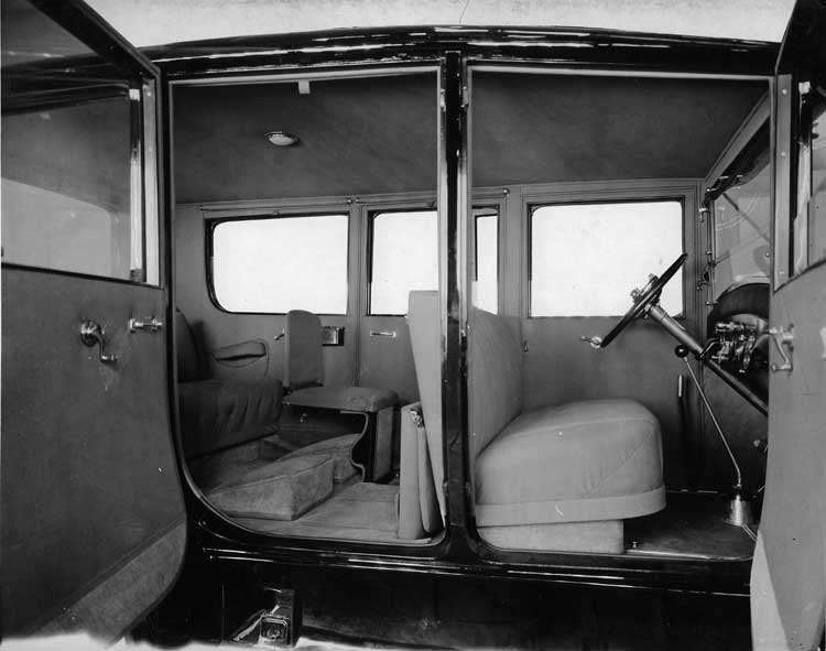 1920-1923 Packard sedan, view of interior through right side doors