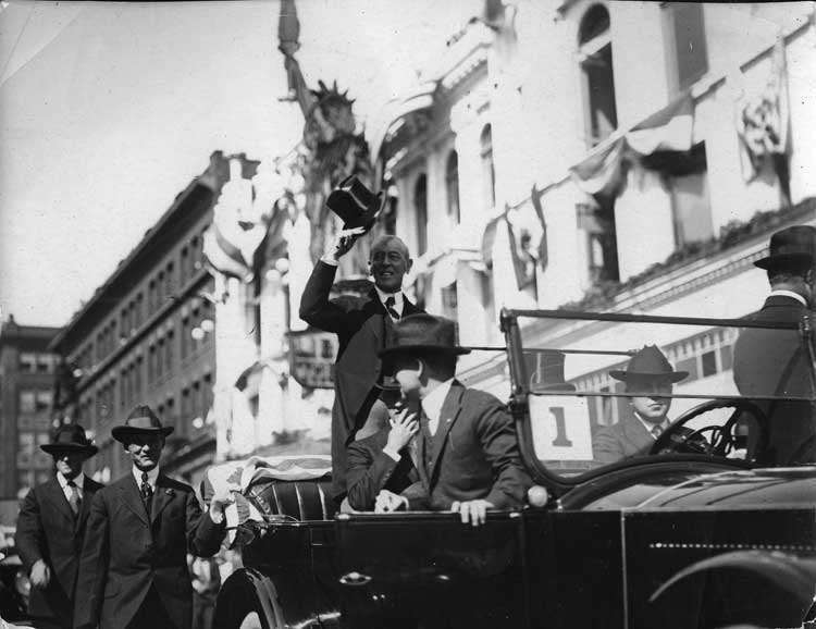 1920-1923 Packard touring car, with President Woodrow Wilson in parade