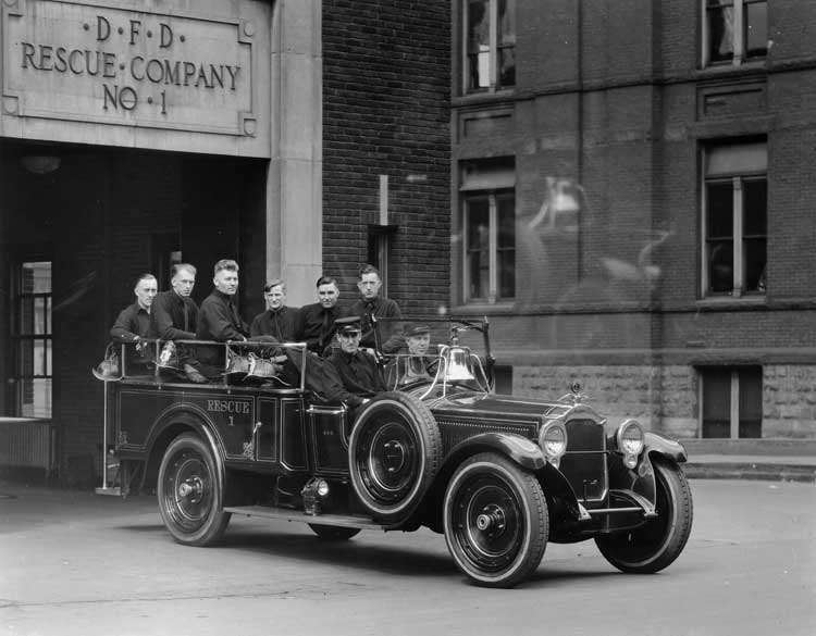 1920-1922 Packard special squad car for Detroit Fire Department, with Rescue Company No.1