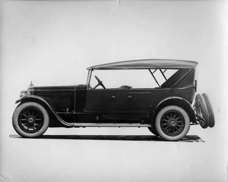 1920-1923 Packard touring car, left side view, top raised