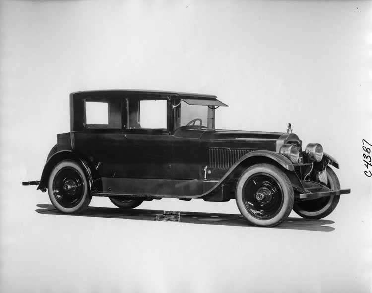 1923 Packard coupe, seven-eights right front view