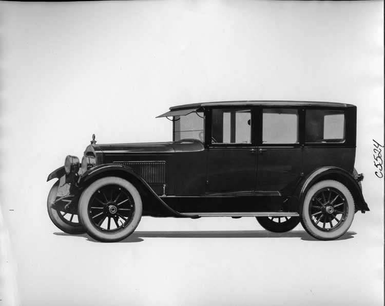 1923 Packard sedan limousine, seven-eights left front view