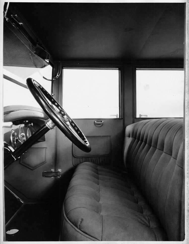 1924 Packard sedan, view of front interior through driver's side door