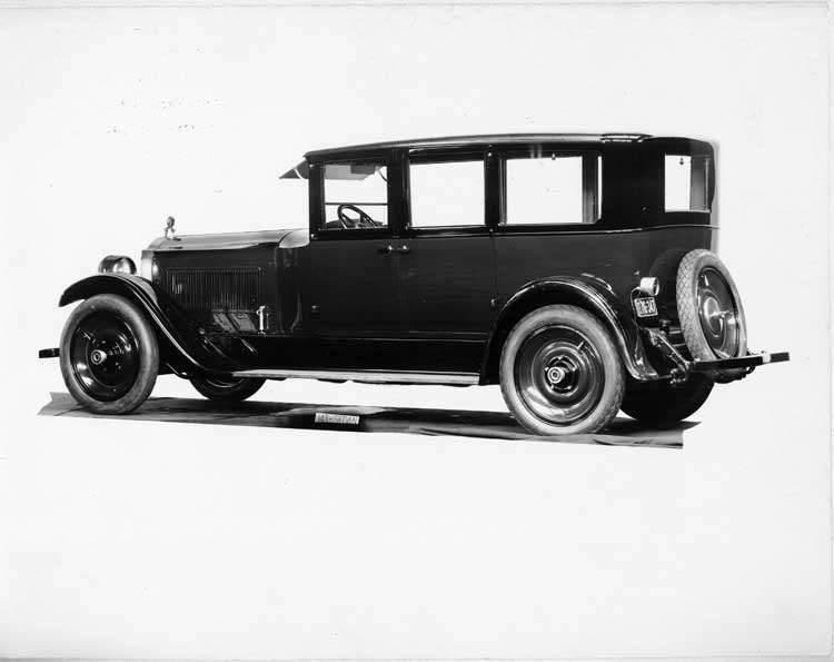 1924 Packard sedan, four-fifths left rear view