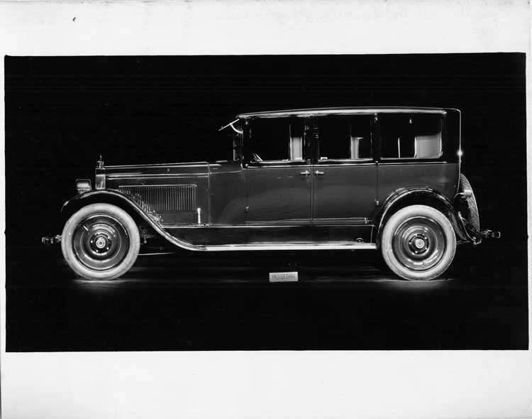 1924 Packard sedan, left side view