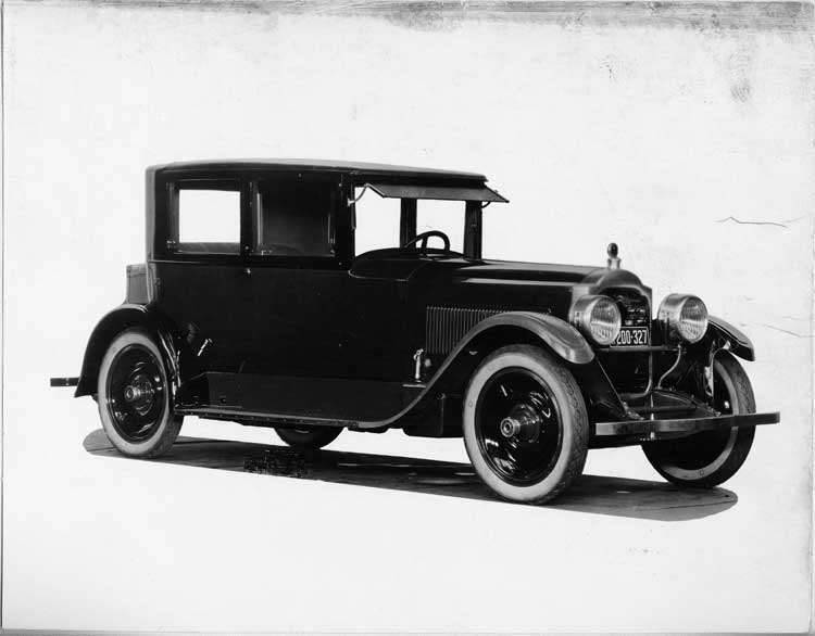1924 Packard coupe, three-quarter right front view