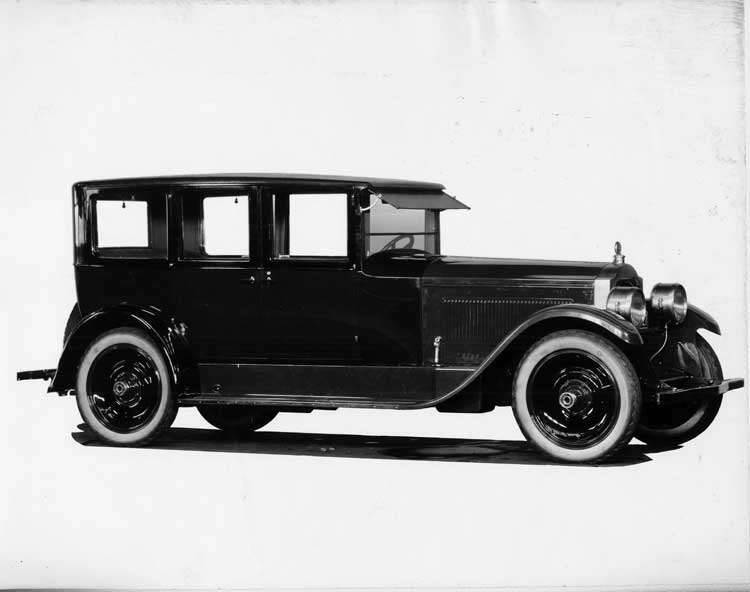 1924 Packard sedan, seven-eights right front view