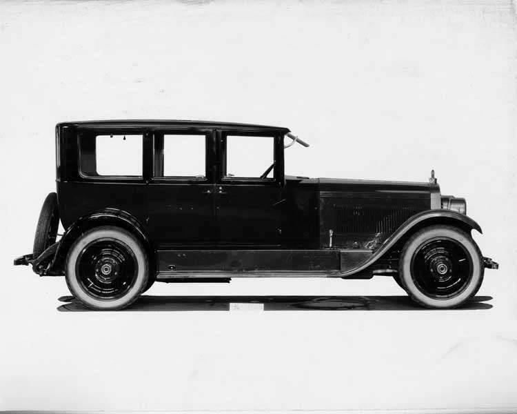 1924 Packard sedan, right side view