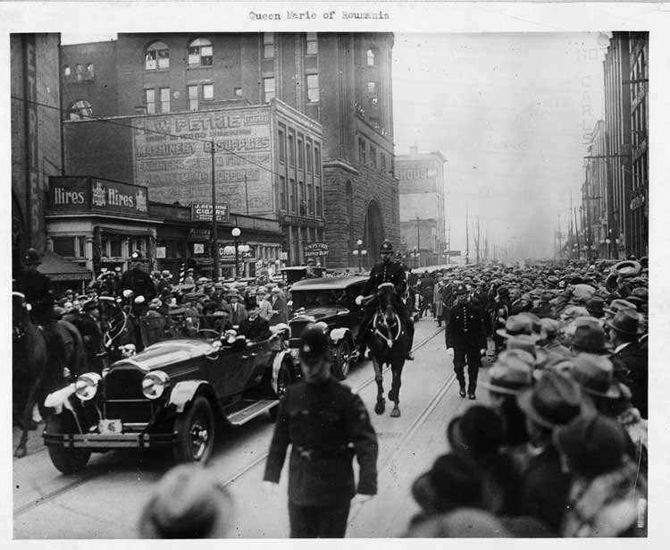 1925-1926 Packard phaeton in reception parade for Queen Marie of Romania